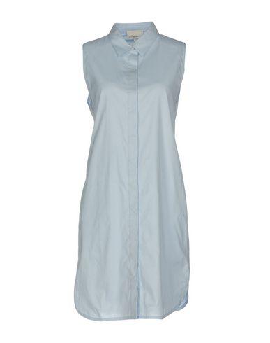 Фото - Женское короткое платье  небесно-голубого цвета