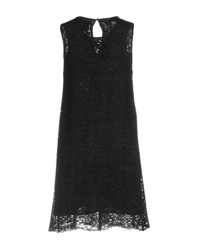 Фото 2 - Женское короткое платье SWEET SECRETS черного цвета
