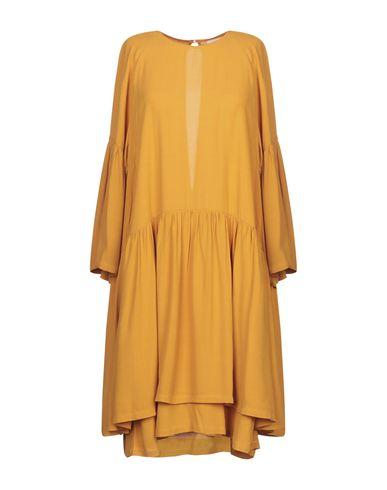 Фото - Женское короткое платье JUST FEMALE цвет охра