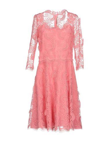 Купить Женское короткое платье  розового цвета