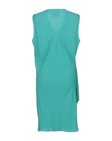 Фото 2 - Платье до колена зеленого цвета
