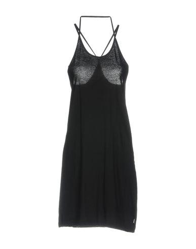Короткое платье от L.G.B.