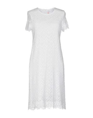 Фото - Женское короткое платье SUN 68 белого цвета