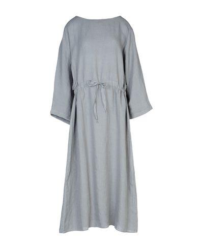 Фото - Платье длиной 3/4 от ZHELDA серого цвета