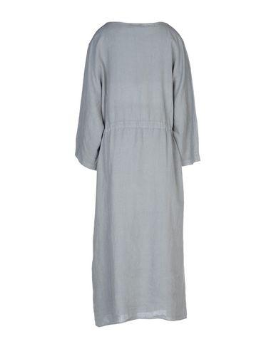 Фото 2 - Платье длиной 3/4 от ZHELDA серого цвета
