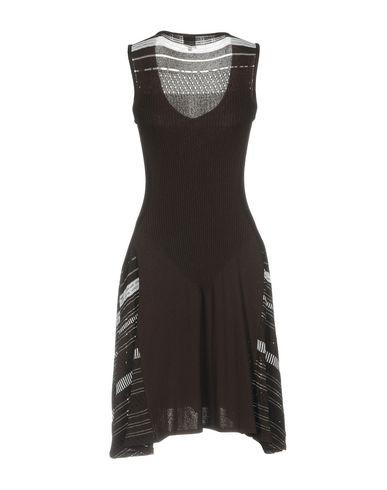 Фото 2 - Платье до колена темно-коричневого цвета