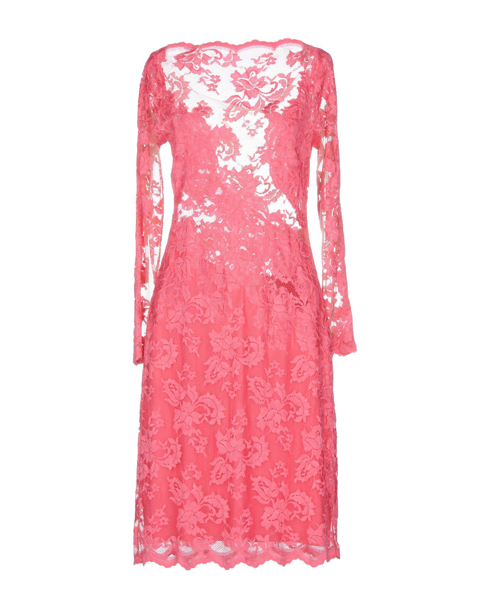 OLVI S Knee-Length Dress in Pink