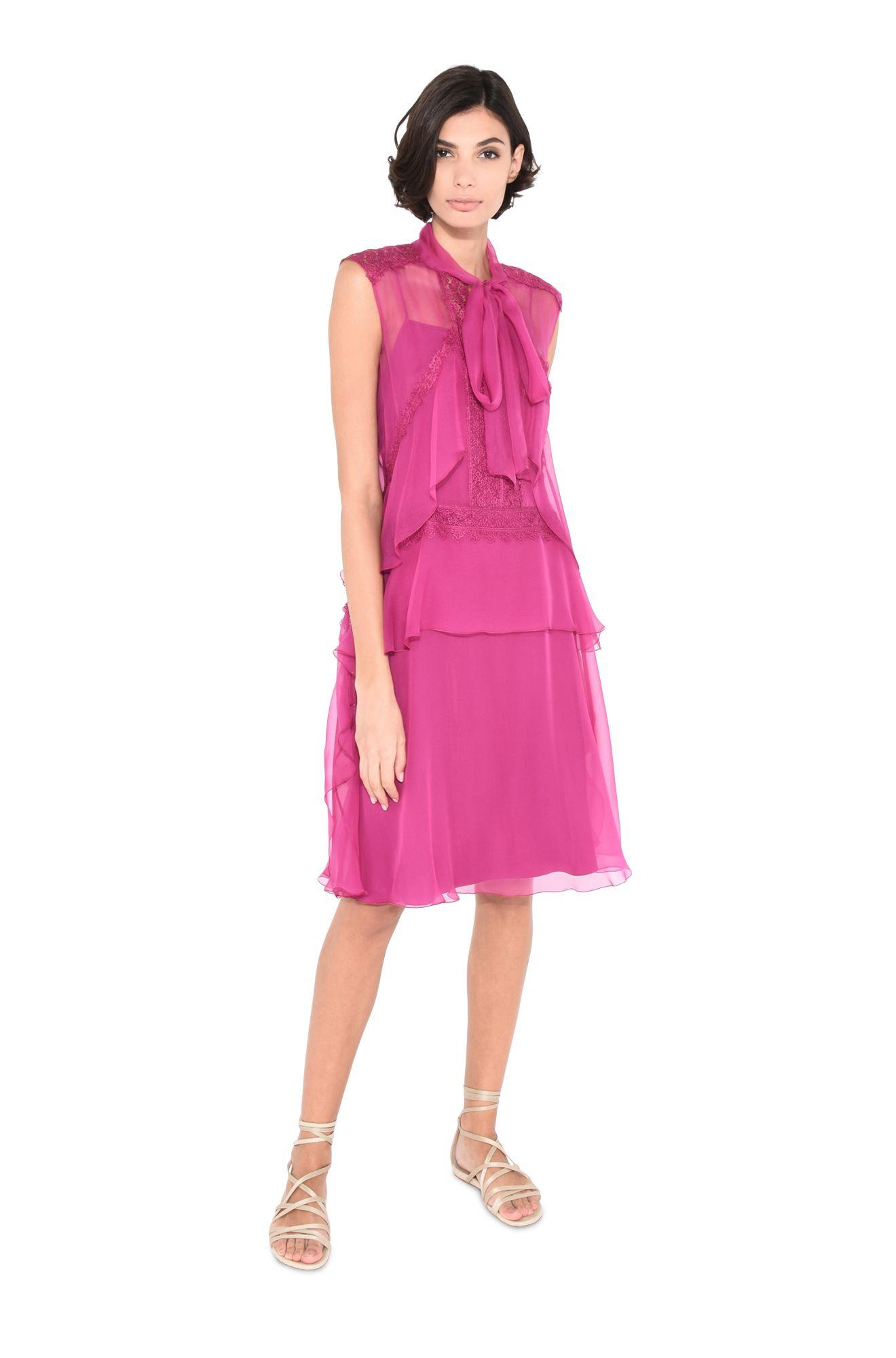 Kleid mit Schleife am Ausschnitt