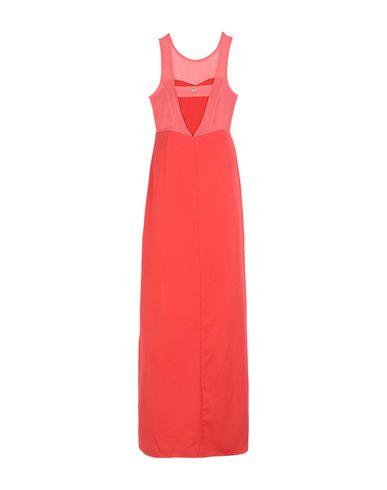 Фото 2 - Женское длинное платье KORALLINE кораллового цвета