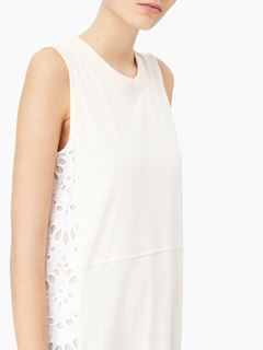 Robe en jersey et broderie anglaise