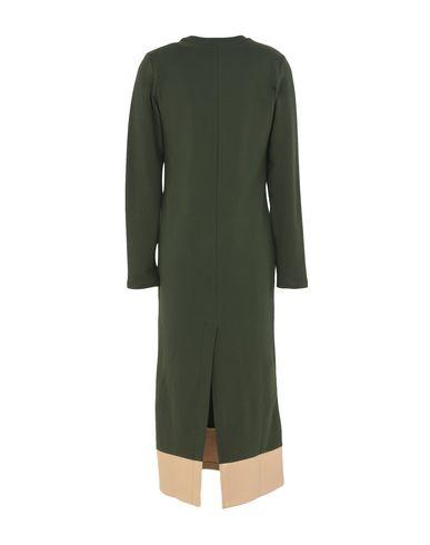 Фото 2 - Платье длиной 3/4 от LE VOLIÈRE темно-зеленого цвета