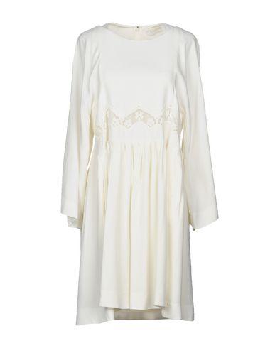 Фото - Женское короткое платье CHLOÉ белого цвета