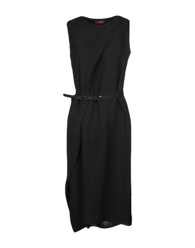 Купить Платье до колена от WTR черного цвета