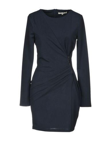 Фото - Женское короткое платье KORALLINE темно-синего цвета