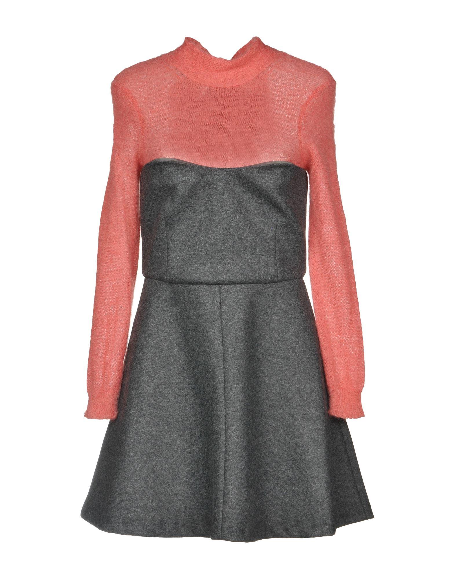 Короткое платье  - Серый цвет