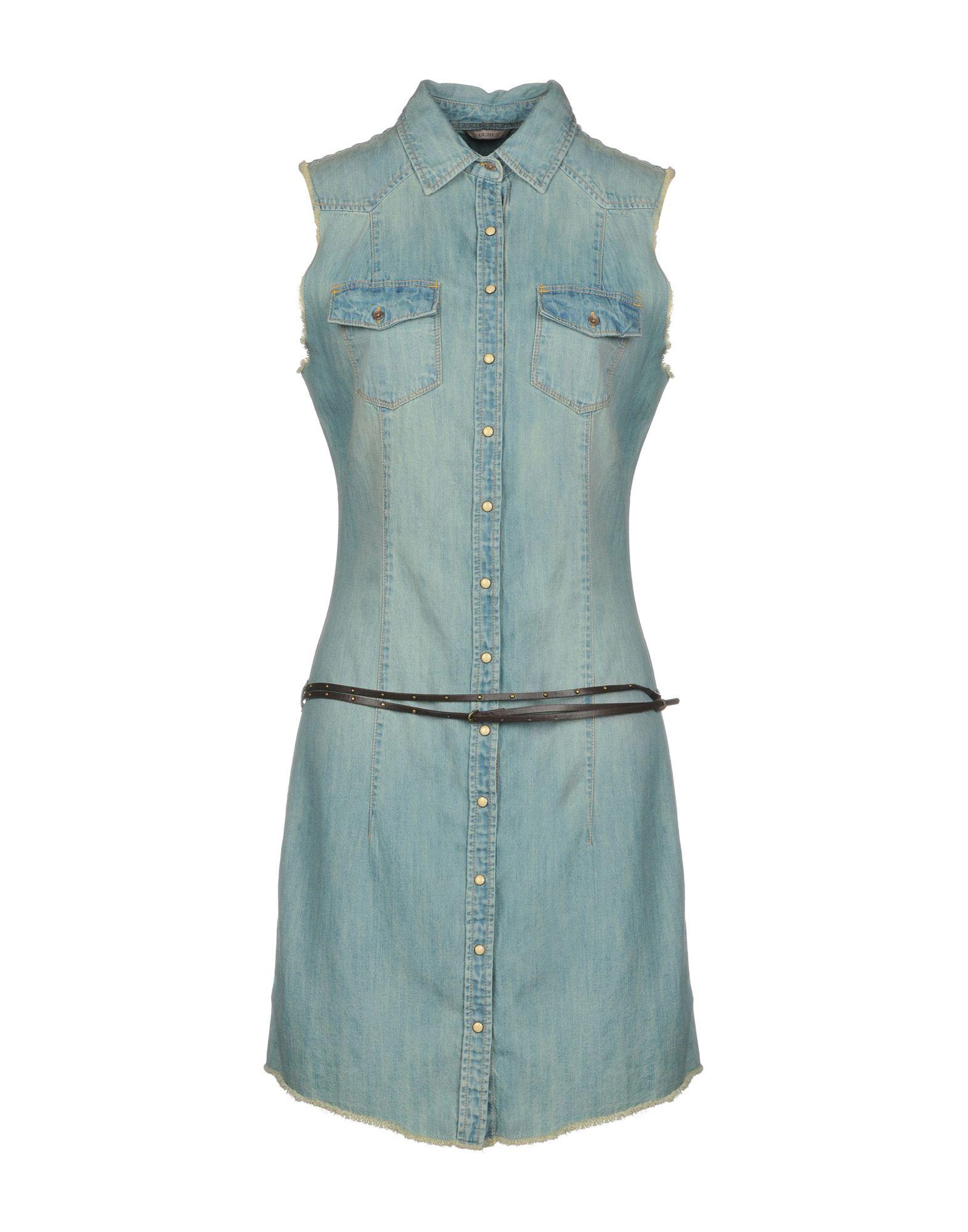 Короткое платье  Голубой цвета