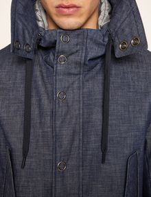 ARMANI EXCHANGE PARKA AUS DUNKLEM DENIM MIT COLORBLOCKS Parka Herren b