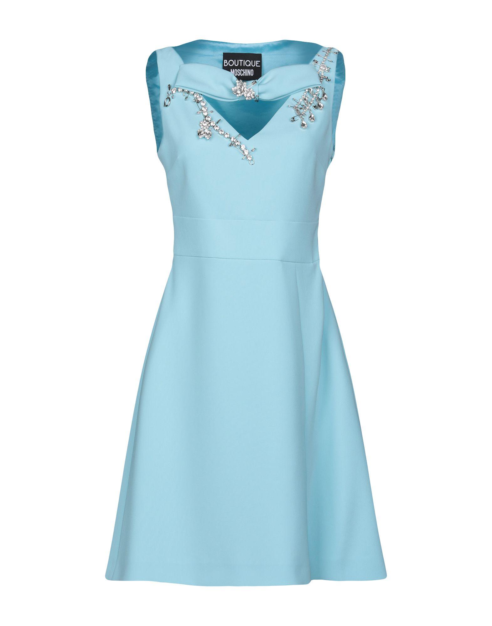 Фото - BOUTIQUE MOSCHINO Короткое платье брошь blucome bijouteria esmaltes 7106100495