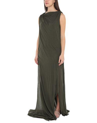Фото 2 - Женское длинное платье  темно-зеленого цвета
