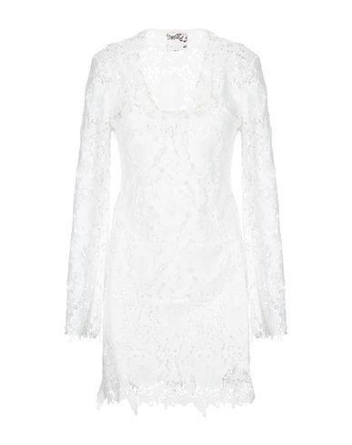 Фото 2 - Женское короткое платье SWEET SECRETS белого цвета