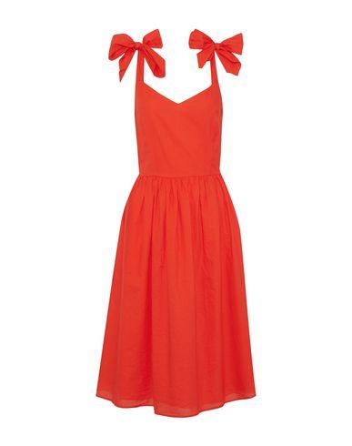 Фото - Платье до колена оранжевого цвета