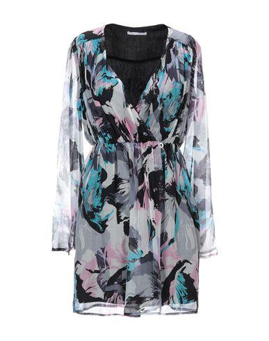 Фото - Женское короткое платье KORALLINE светло-серого цвета