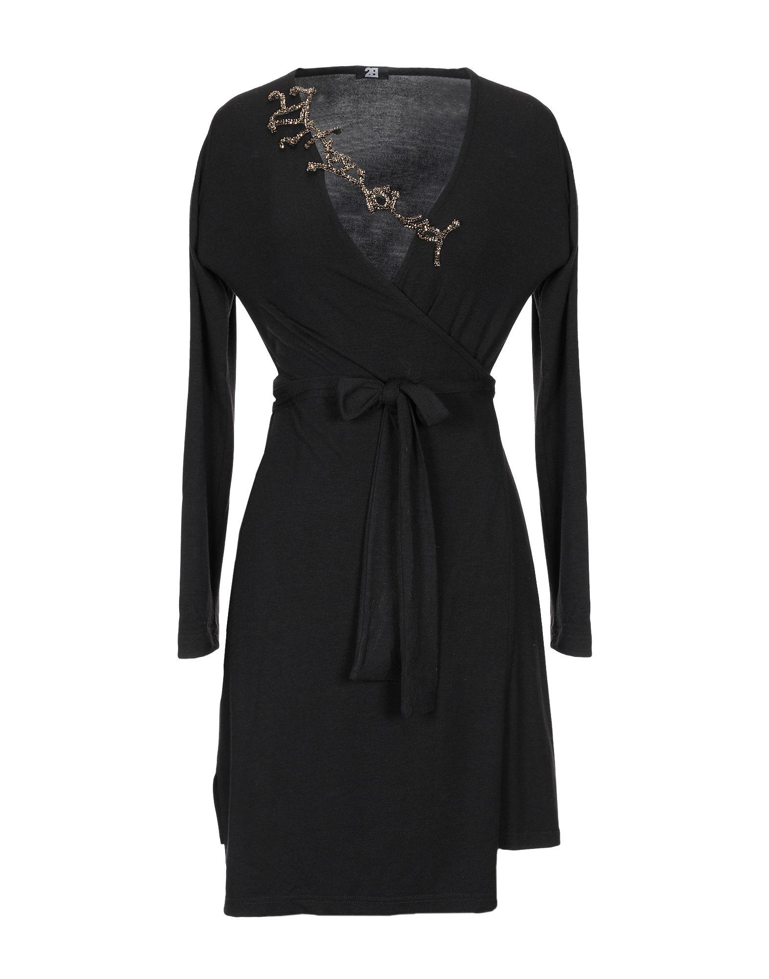 2B Короткое платье