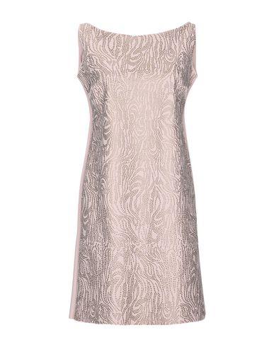Фото - Женское короткое платье CHIARA BONI LA PETITE ROBE светло-розового цвета