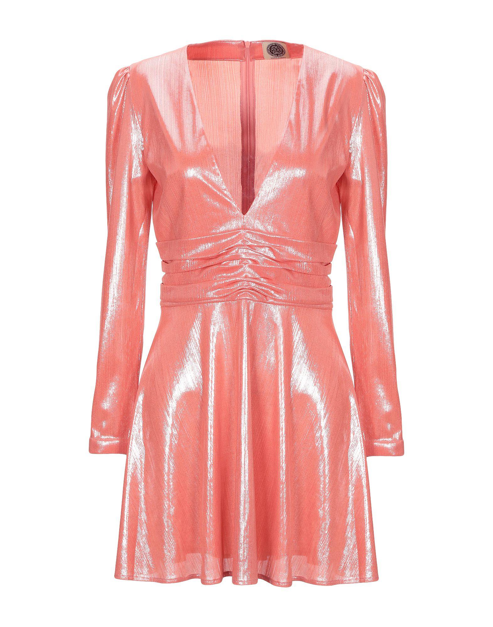 AM Короткое платье