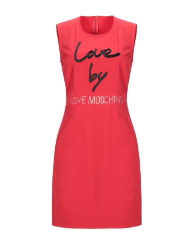 Фото - Женское короткое платье  красного цвета