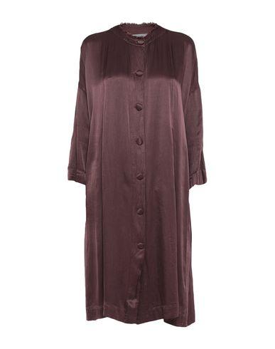 Фото - Женское короткое платье  темно-коричневого цвета