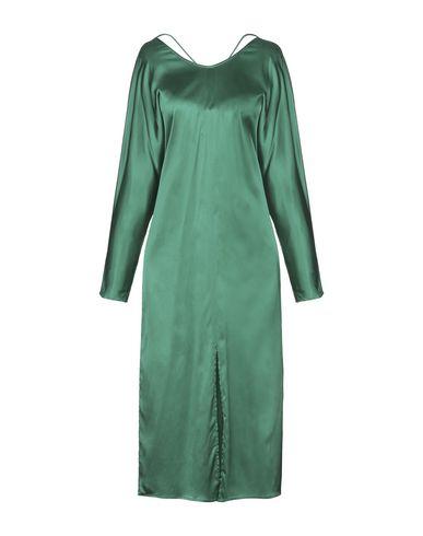 Фото - Платье длиной 3/4 изумрудно-зеленого цвета