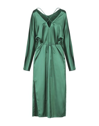 Фото 2 - Платье длиной 3/4 изумрудно-зеленого цвета