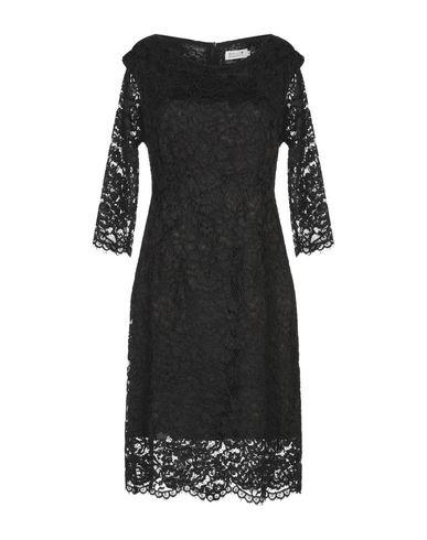 Фото - Женское короткое платье MOLLY BRACKEN черного цвета