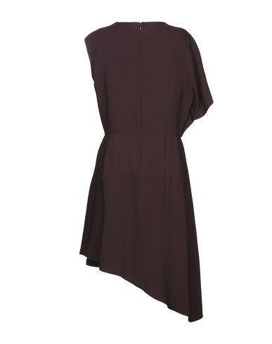 Фото 2 - Платье до колена красно-коричневого цвета