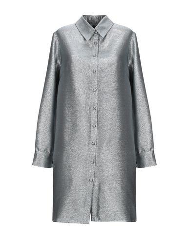 Фото - Женское короткое платье FLORENCE BRIDGE серебристого цвета