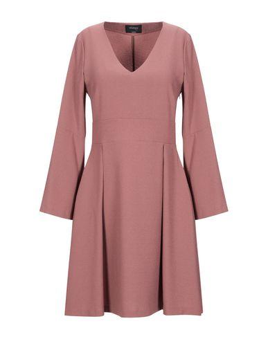 Фото - Женское короткое платье  пастельно-розового цвета