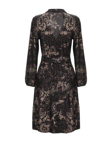 Фото 2 - Женское короткое платье  бронзового цвета