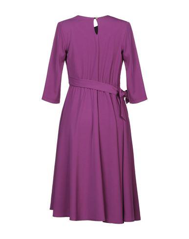 Фото 2 - Платье до колена от PAOLA PRATA фиолетового цвета