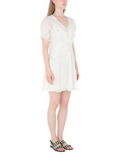 Фото 2 - Женское короткое платье ALLSAINTS белого цвета