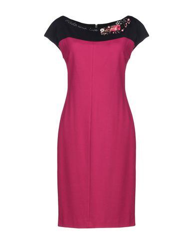 Фото - Женское короткое платье VDP COLLECTION цвет пурпурный