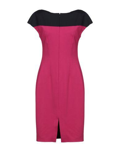 Фото 2 - Женское короткое платье VDP COLLECTION цвет пурпурный