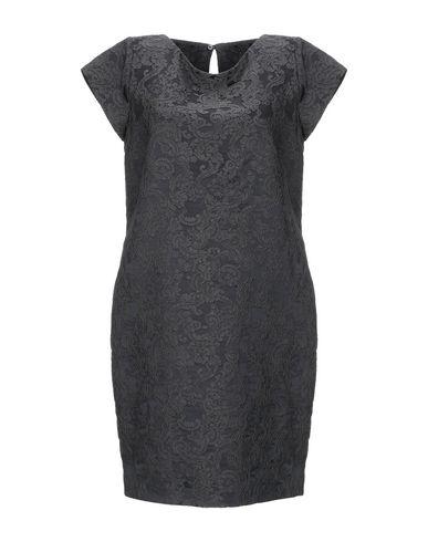 Фото - Женское короткое платье BRIAN DALES черного цвета