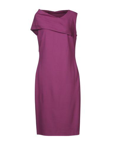 Фото - Платье до колена фиолетового цвета