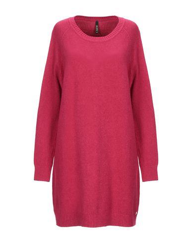 Фото - Женское короткое платье  цвет пурпурный