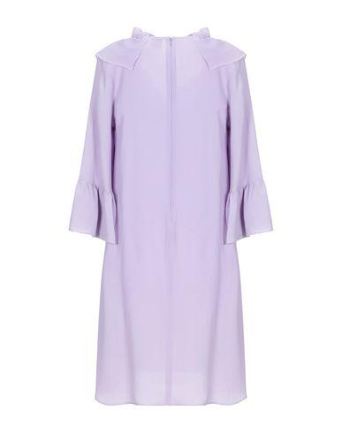 Фото 2 - Женское короткое платье  сиреневого цвета