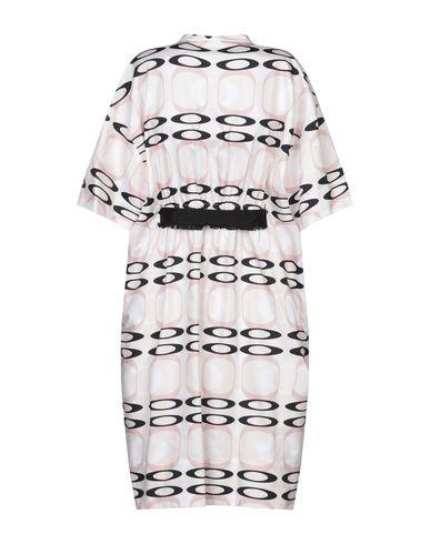 Фото 2 - Платье до колена светло-розового цвета