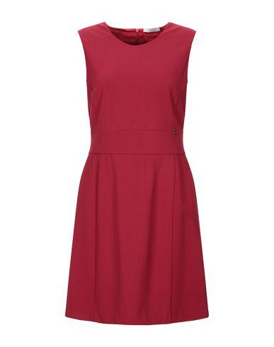 Фото - Женское короткое платье LUCKYLU  Milano красного цвета