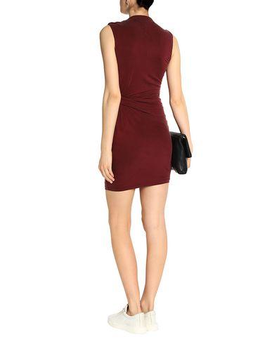 Фото 2 - Женское короткое платье TART COLLECTIONS красно-коричневого цвета