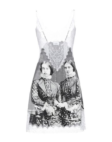Короткое платье Burberry 34989835FS
